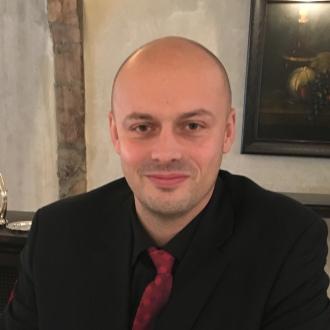 Arnaud JOUVENT, Directeur de département des marchés Particuliers, Assurances et Gestion Patrimoniale au sein de la Banque Populaire Auvergne Rhône Alpes